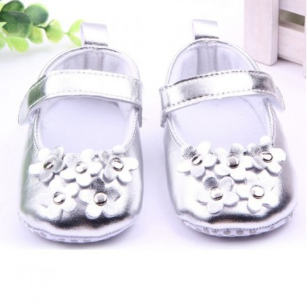 Baby Girl Metallic Silver Princess Soft Sole Crib Shoes- 0-3mths
