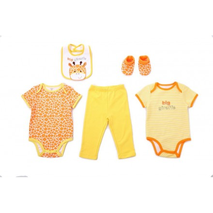 Carter's baby 5piece set- Includes 2 bodysuit, 1 pants, 1 bib and 1 pair of booties (Big Giraffe)- 3mths
