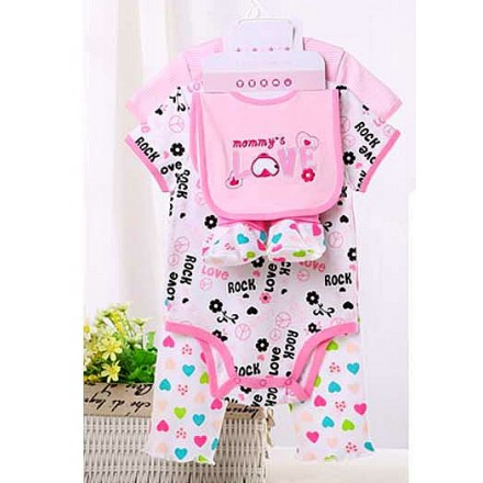 Carter's baby 5piece set- Includes 2 bodysuit, 1 pants, 1 bib and 1 pair of booties (Mummy's Love)- 3mths