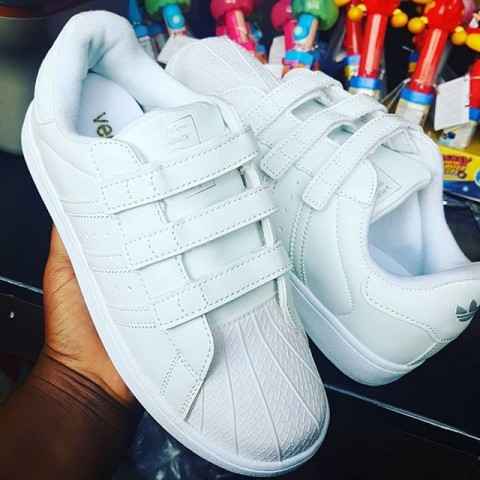 Lovely Adidas White Sports Shoes - size 35-39