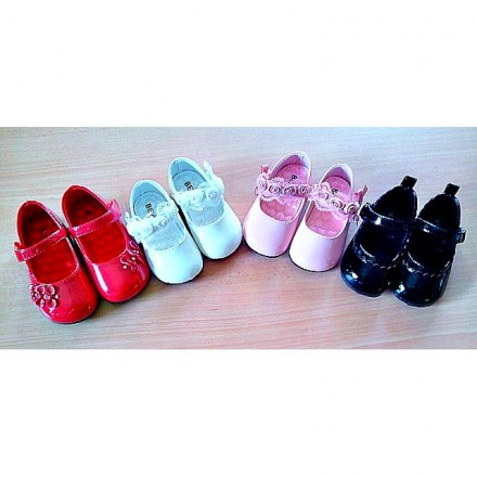 Bear Baby Infant Girls Shoes- Size 14-18 (3mths-9mths)